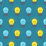 Modello senza cuciture delle lampadine Simbolo di idea Illustrazione di vettore royalty illustrazione gratis