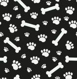 Modello senza cuciture delle ossa di cane Osso e tracce di struttura ripetitiva delle zampe del cucciolo Fondo senza fine canino  royalty illustrazione gratis