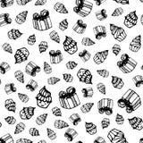 Modello senza cuciture di compleanno nello stile disegnato a mano di scarabocchio Royalty Illustrazione gratis
