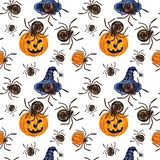 Modello senza cuciture di Halloween con i pampkins, i ragni ed i cappelli royalty illustrazione gratis