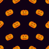 Modello senza cuciture di Halloween con la zucca su fondo nero Fotografie Stock Libere da Diritti
