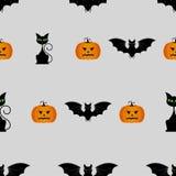 Modello senza cuciture di Halloween con le zucche, il gatto nero ed il pipistrello Fotografia Stock