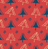 Modello senza cuciture di inverno con gli alberi di Natale Struttura del pacchetto con gli abeti rossi decorativi Contesto astrat Fotografie Stock Libere da Diritti