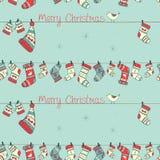 Modello senza cuciture di Natale con gli uccelli, calzini, guanto mezzo Fotografie Stock Libere da Diritti