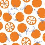 Modello senza cuciture di scarabocchio di vettore astratto disegnato a mano variopinto capriccioso delle arance su fondo bianco F royalty illustrazione gratis