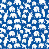Modello senza cuciture di vettore con gli elefanti Può essere usato per il tessuto, fondo del sito Web Fotografia Stock