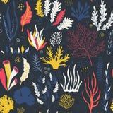 Modello senza cuciture di vettore con le piante subacquee della barriera corallina dell'oceano illustrazione di stock