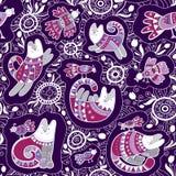Modello senza cuciture di vettore - gatti ed uccelli svegli con l'ornamento etnico e floreale del pizzo su fondo viola illustrazione vettoriale