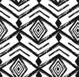 Modello senza cuciture di vettore navajo tribale nero con gli elementi di scarabocchio illustrazione vettoriale