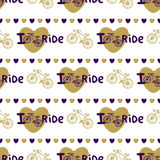Modello senza cuciture disegnato a mano alla moda con le bici ed i cuori nel colore dell'oro Fondo di vettore con la bicicletta P illustrazione vettoriale