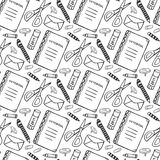 Modello senza cuciture disegnato a mano con gli strumenti della cancelleria della scuola Fondo in bianco e nero di vettore nello  Immagini Stock