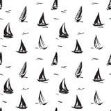 Modello senza cuciture disegnato a mano con le barche a vela immagine stock libera da diritti