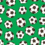 Modello senza cuciture disegnato a mano di vettore di pallone da calcio Isolato su priorità bassa verde Fotografia Stock Libera da Diritti