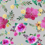Modello senza cuciture floreale romantico con i fiori e la foglia rosa Stampa per la carta da parati del tessuto senza fine Acque Fotografia Stock