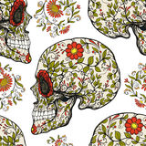 Modello senza cuciture, fondo con il cranio dello zucchero e picchiettio floreale illustrazione vettoriale