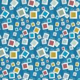 Modello senza cuciture. Scatole attuali di carta su fondo blu Fotografie Stock Libere da Diritti