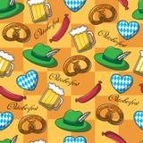 Modello senza cuciture su Oktoberfest royalty illustrazione gratis
