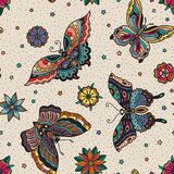 Modello senza cuciture tradizionale delle farfalle e dei fiori dell'istantaneo del tatuaggio di stile d'annata Fotografia Stock
