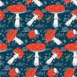 Modello stagionale sveglio senza cuciture con i funghi della foresta Immagini Stock