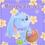 Modello stampabile Pasqua felice della cartolina di saluto con il coniglietto sveglio del fumetto che tiene le uova di Pasqua su  Fotografie Stock Libere da Diritti