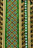 Modello tailandese di mosaico e ceramico della decorazione del tempio fotografia stock
