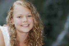 Modello teenager abbastanza giovane fotografia stock libera da diritti