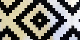Modello tradizionale dell'Uzbeco su una coperta di tela spessa per il pavimento nel corridoio fotografia stock