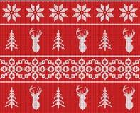 Modello tricottato senza cuciture di inverno scandinavo di natale Siluetta capa dei cervi o albero di Natale della renna, del fio Immagini Stock Libere da Diritti