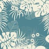 Modello tropicale senza cuciture di estate con le foglie di palma e le piante di monstera royalty illustrazione gratis