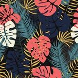 Modello tropicale senza cuciture di estate con le foglie di palma variopinte di monstera royalty illustrazione gratis
