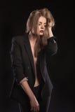 Modello in vestito con il seno nudo Immagini Stock