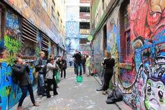 Modellskytte i hosieren Lane Melbourne royaltyfri foto