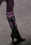 Modelmariana santana loopt de baan bij de Anna Sui-modeshow tijdens MBFW-Daling 2015 Stock Foto's