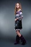 Modelo à moda no vestido heterogéneo Fotos de Stock Royalty Free