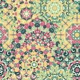 Modelo étnico colorido inconsútil con las mandalas en estilo oriental Tapetitos redondos con los rizos verdes, rosados, del amari Imagen de archivo