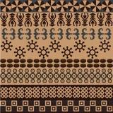 Modelo étnico con symbols&ornaments africanos Imagen de archivo