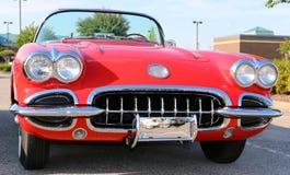 Modelo adiantado Corveta antiga vermelha dos anos 50 Foto de Stock Royalty Free