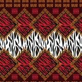 Modelo africano del estilo con la piel animal Fotos de archivo libres de regalías