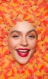 Modelo alegre en jalea de fruta Fotos de archivo libres de regalías
