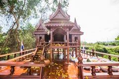 Modelo antiguo del estilo de las casas tailandesas foreshorten Imagen de archivo libre de regalías