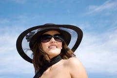 Modelo atractivo de la hembra de la manera Fotos de archivo libres de regalías