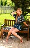 Modelo bastante adolescente de la muchacha asentado Foto de archivo