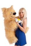 Modelo bonito com um urso nas mãos Imagens de Stock Royalty Free