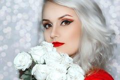 Modelo bonito Cute Make de Brunnete da mulher das mulheres da menina acima fotografia de stock