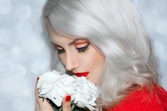 Modelo bonito Cute Make de Brunnete da mulher das mulheres da menina acima imagens de stock