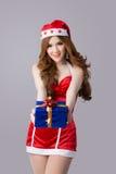 Modelo bonito da mulher de Ásia na roupa de Santa Claus Imagens de Stock Royalty Free