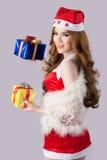 Modelo bonito da mulher de Ásia na roupa de Santa Claus Foto de Stock Royalty Free
