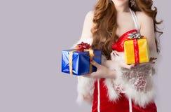 Modelo bonito da mulher de Ásia na roupa de Santa Claus Imagem de Stock Royalty Free