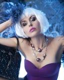 Modelo bonito na luz azul Foto de Stock Royalty Free
