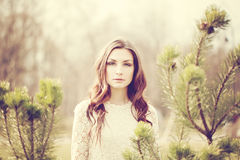 Modelo bonito Outdoors da mulher fotografia de stock royalty free